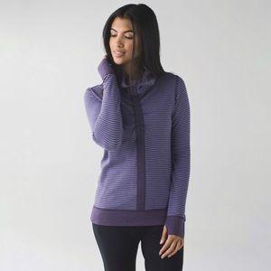 Lululemon In A Cinch Long Sleeve Tee Pullover (8)